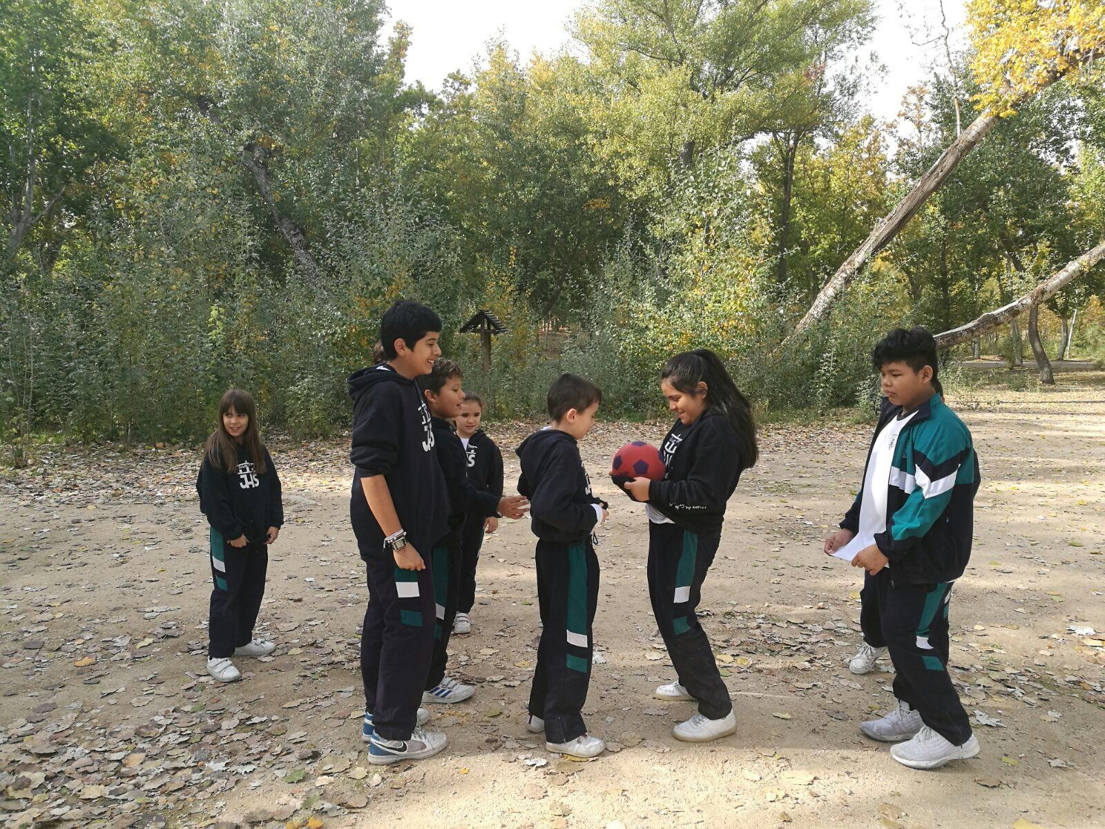 Juegos Cooperativos En La Casa De Campo Colegio Cristo Rey